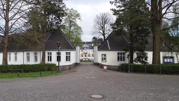 Bild von Schloss Morsbroich - Eingang Schlosstor